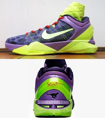 Kobe's Christmas shoes gives me Goosebumps..