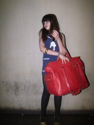 Ladies Beware of Big Handbags!