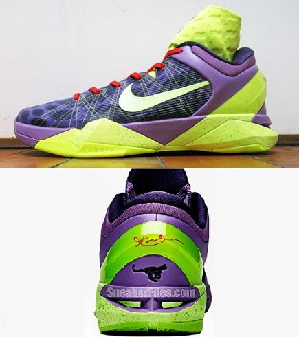 Kobe's Christmas shoes gives me Goosebumps..