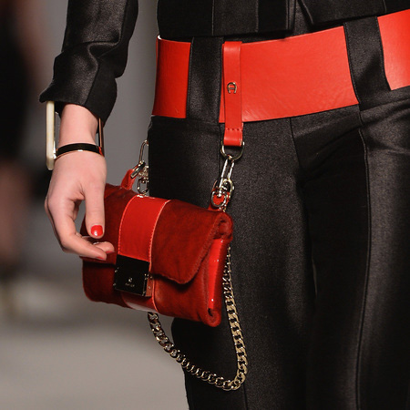 The Modern Woman's Guide to Carrying a Handbag