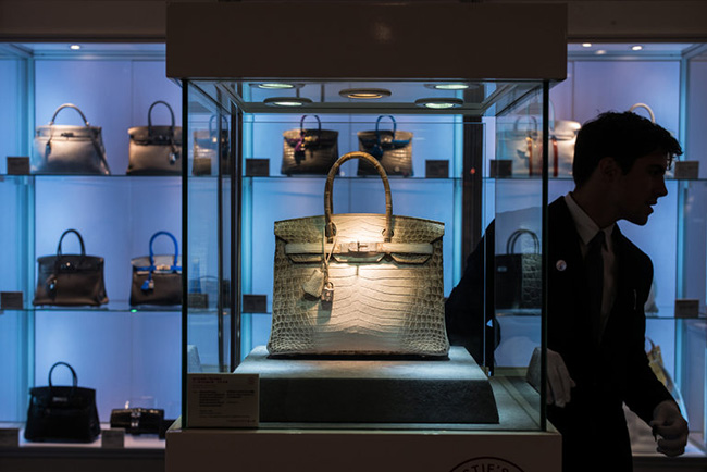Another Record-Breaking Birkin Sale at Auction in Hong Kong