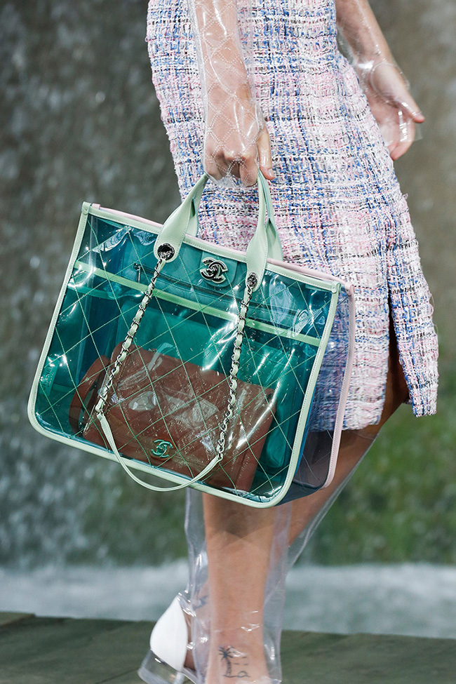 Two Hot Spring Trends to Up Your Handbag Game