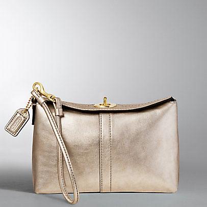 Coach Wristlet A Good Buy Handbag Blog Rioni